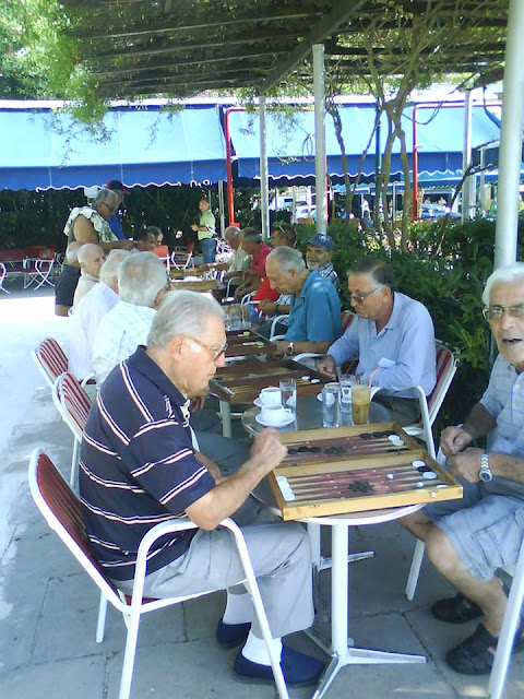 A passion for backgammon..Tavli !  Kolonaki cafe and bar, opposite Park Irene Loutraki Greece  Photo Greeker than the Greeks