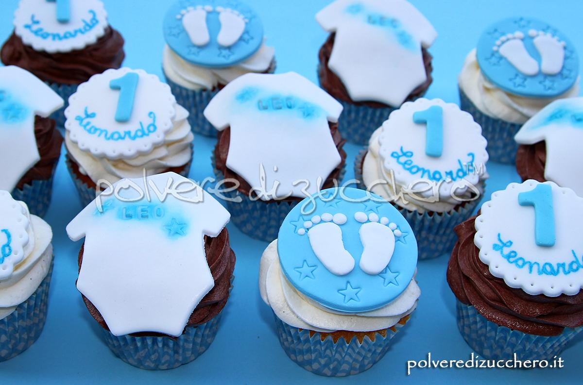 cupcakes decorati 1° compleanno bimbo pasta di zucchero cake design body piedini leonardo polvere di zucchero