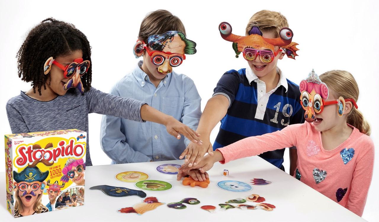 4 children playing Stoopido by Drumond Park