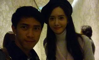 Fotografer ini Bisa Selfie Bareng Yoon SNSD, Beruntung Banget !