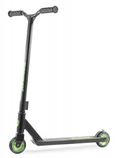 http://www.retrobrusle.cz/retro/eshop/17-1-Vyprodej/0/5/880-Slamm-Stark-Black-green-scooter-kolobezka