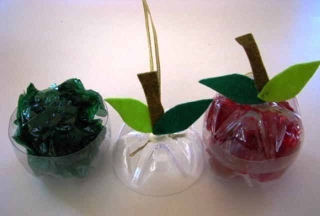 Maçãs de garrafas pets