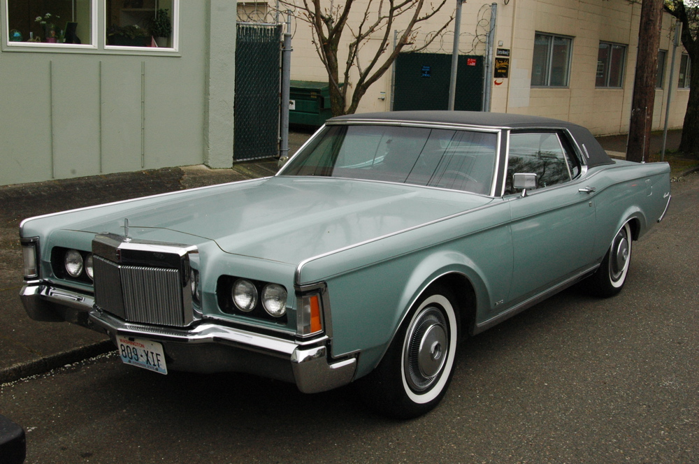 Classic Cars 1970 Lincoln Continental