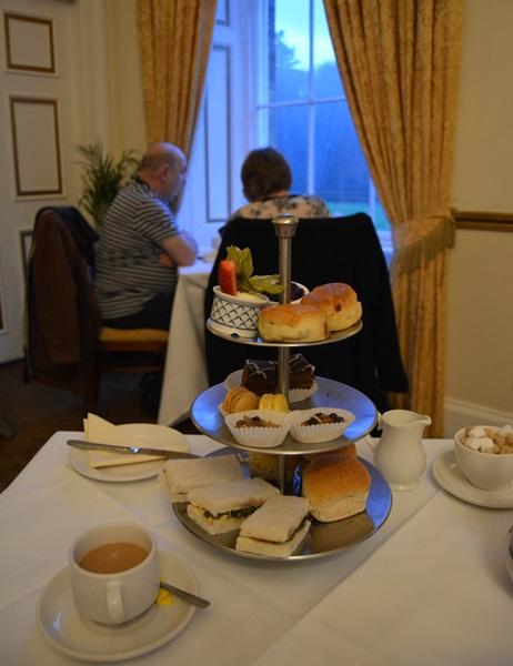 Tomando el afternoon tea en Edimburgo