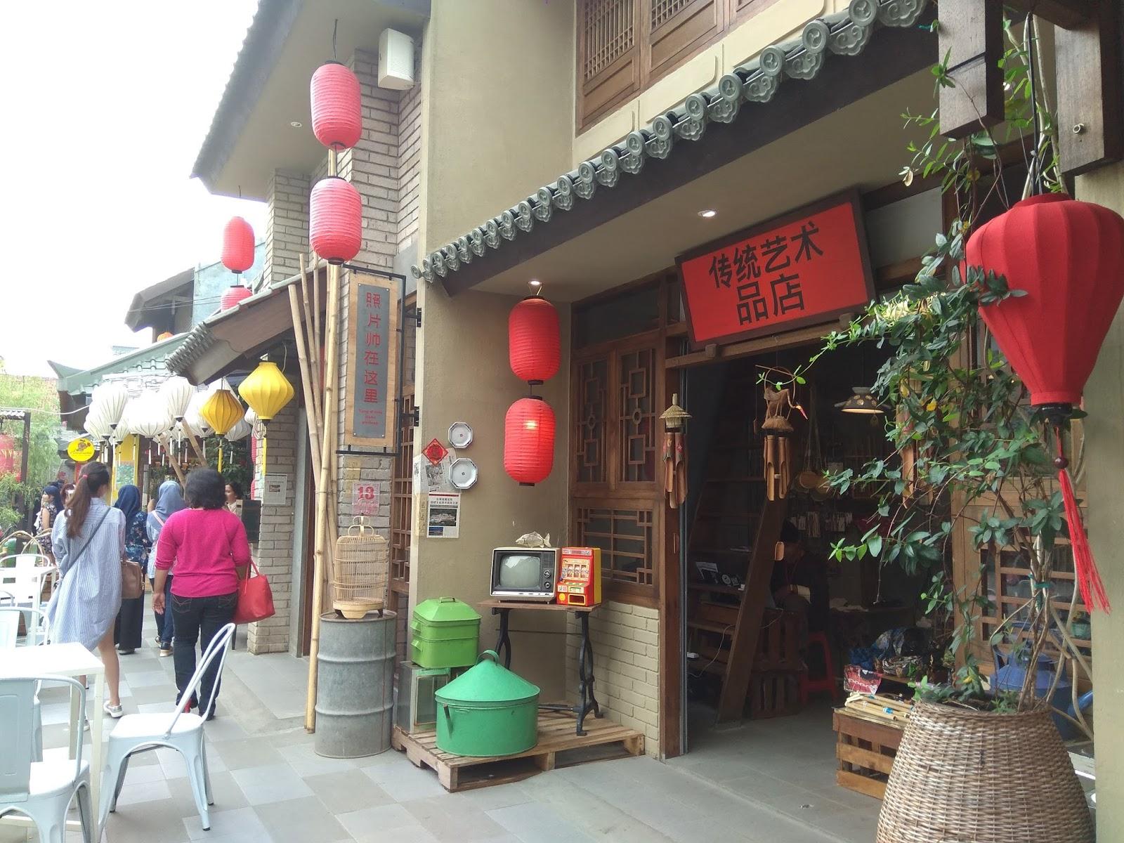 Hasil gambar untuk chinatown di bandung