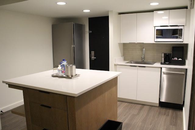 Charlotte Marriott City Center, Suite Kitchen