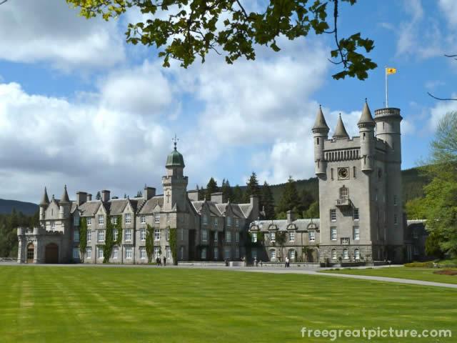Castelo Balmoral - Edimburgo, Escócia. Onde J.K Rowling escreveu o livro Harry Potter e as Relíquias da Morte