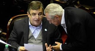 La escandalosa sesión en la que el oficialismo impidió una interpelación a Juan José Aranguren acentuó la crisis de la UCR, cuyos diputados decidieron no defender al ministro el martes a las 14, cuando asista a un plenario de comisiones.
