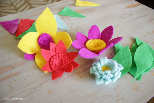 felt spring wreath tutorial