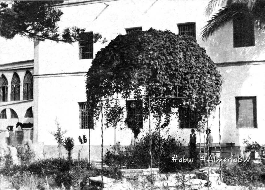 Fotos antiguas de almer a el jard n del manicomio for Casa ciudad jardin almeria