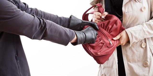 Άρπαξαν τσάντα ηλικιωμένης στην Τούμπα - Μεταφέρθηκε τραυματισμένη στο νοσοκομείο