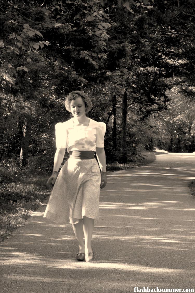 Flashback Summer - 1939 Wearing history sewing pattern - 1930s fashion