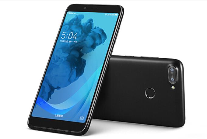 Lenovo K320t, Smartphone Quad Core dengan Desain Kekinian