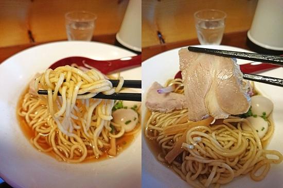 醤油ラーメンの麺とチャーシューの写真