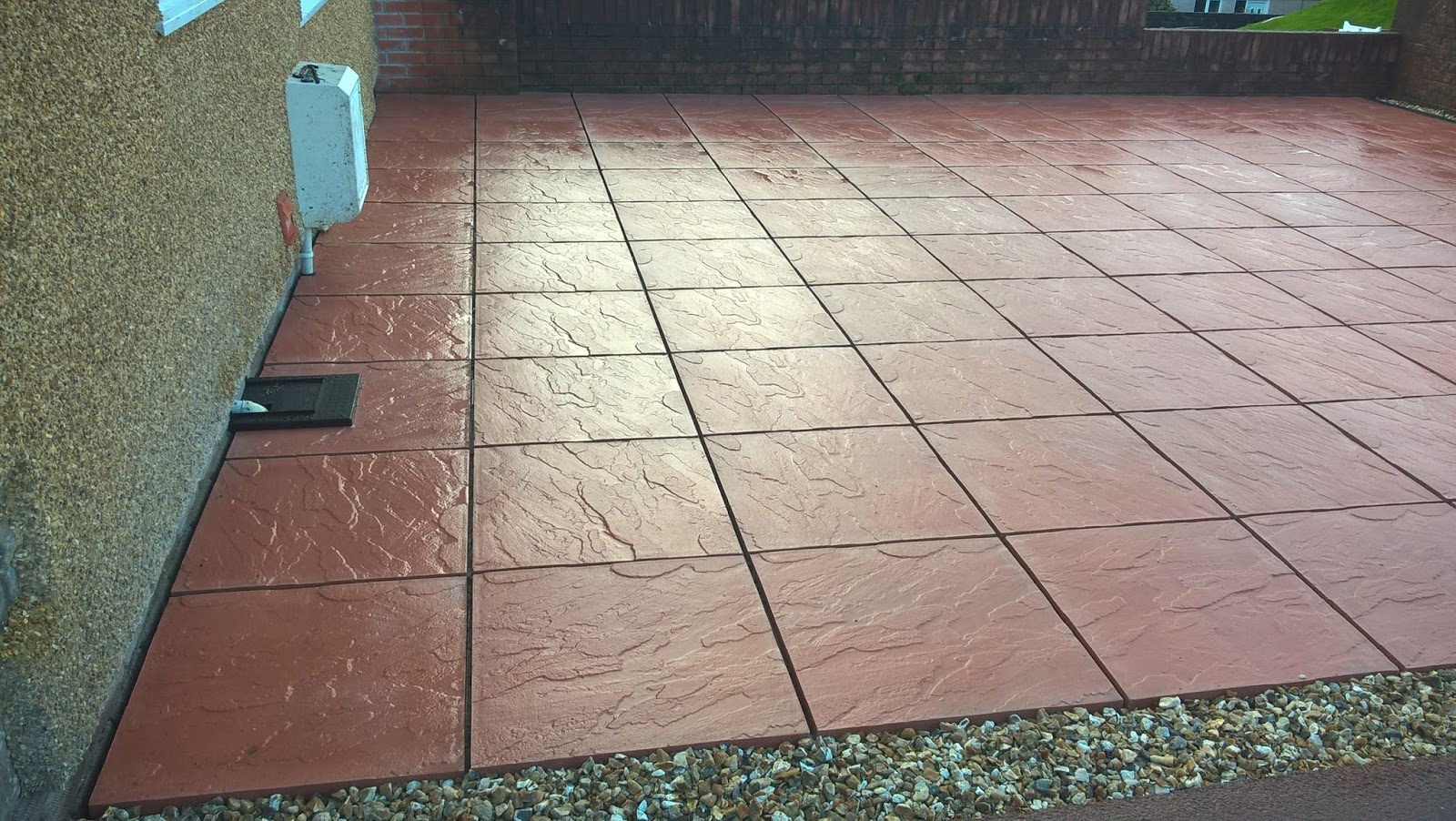 Red Concrete Paving Slabs 600mm X 600mm With Grey Rompox Jointing