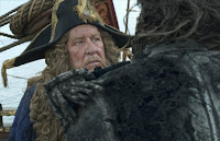 Geoffrey Rush in Pirates of the Caribbean: Dead Men Tell No Tales (8)