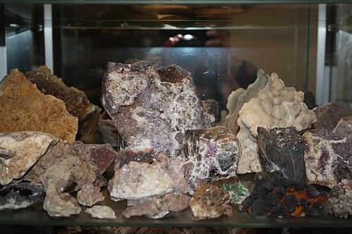 Mineralien in meinen Vitrinen