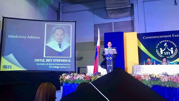 Age Doesn't Matter: 30-Year-Old Man Earns College Degree, Graduates Magna Cum Laude