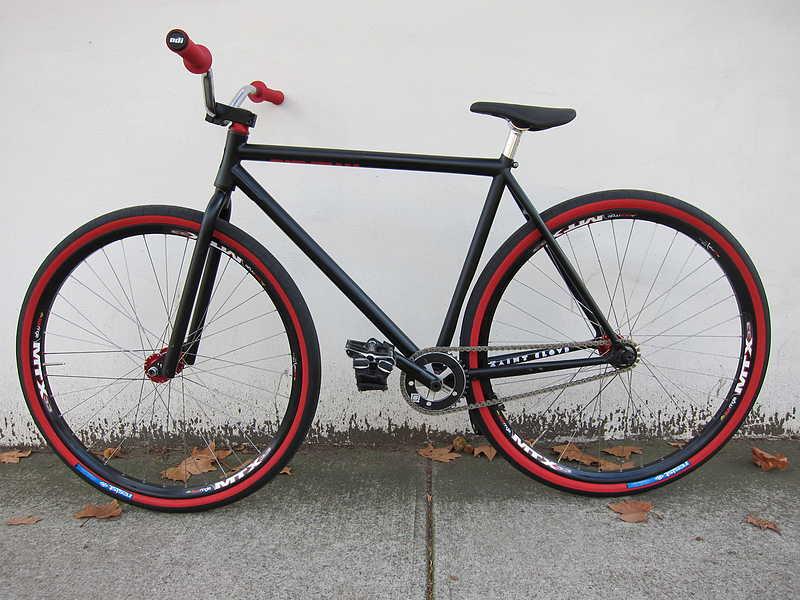 Sepeda Fixie Keren Hitam Merah Desain Rancangan Sepeda Fixie