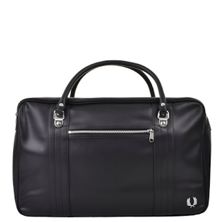 Should you buy a Valentine's Day Gift for you partner? Plus our top picks for Valentines Day from Mainline Menswear - Fre Perry Pique Overnight Bag