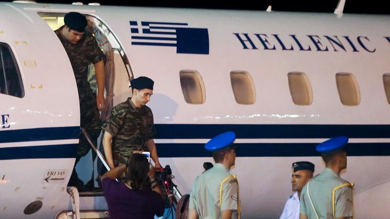 Στην πατρίδα οι δύο Έλληνες στρατιωτικοί