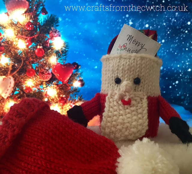 Secret Surprise Santa - free knitting pattern at Crafts from the Cwtch blog