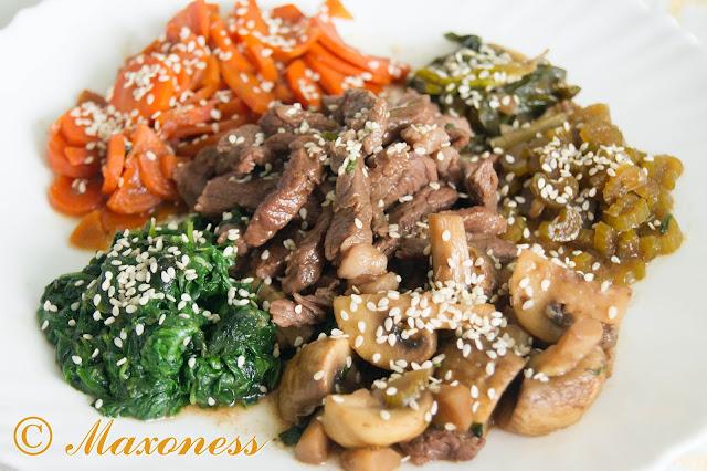 Говядина с грибами и овощами. Японская кухня