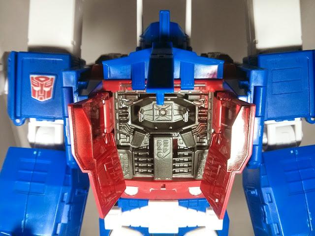 takara transformers mp-22 ultra magnus matrix chest