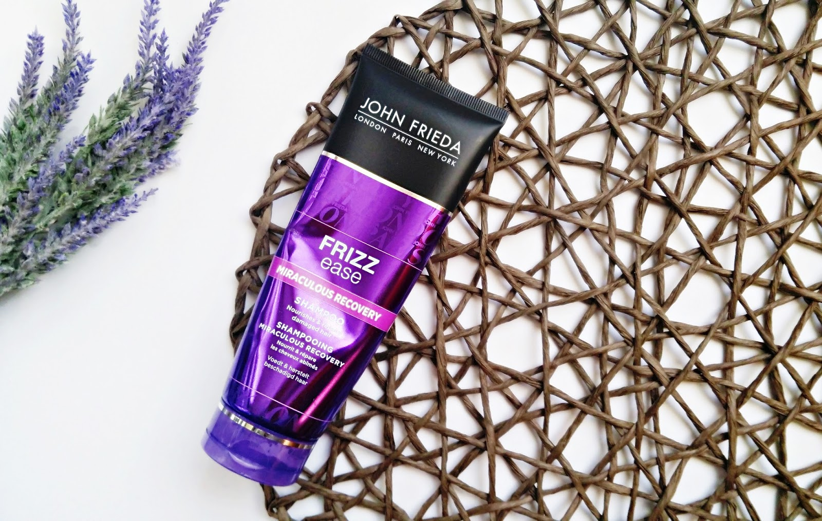 szampon John Frieda Frizz Ease Miraculous Recovery