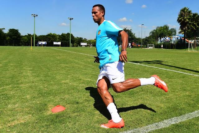 Luis Fabiano deve chegar ao Rio de Janeiro (Foto: Sergio Barzaghi/Gazeta Press)