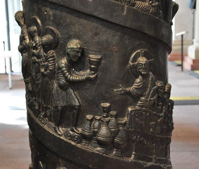 Romańska kolumna Chrystusa, zabytek ufundowany przez biskupa Bernwarda, przechowywana w Hildesheim