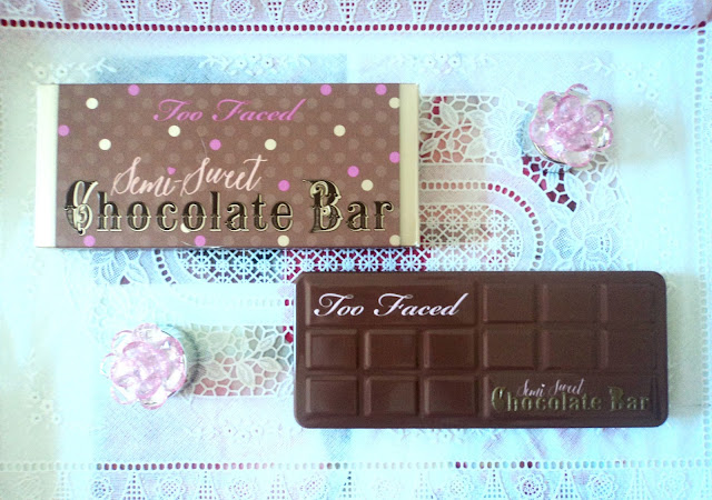 http://www.prettysandy.com/2015/08/semi-sweet-chocolate-bar-de-too-faced.html