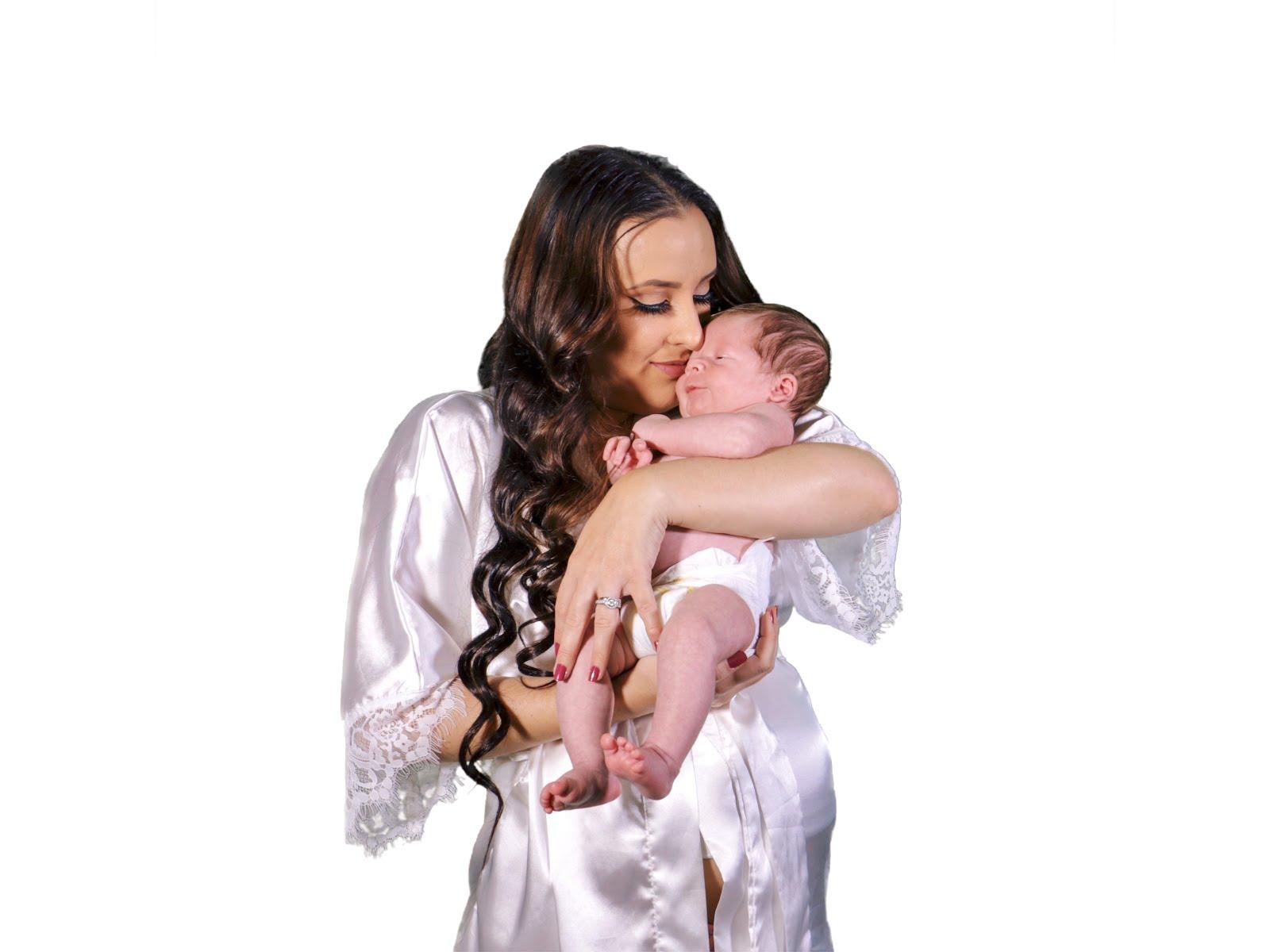 Mom-and-Dad-Newborn-Photoshoot-Vivi-Brizuela