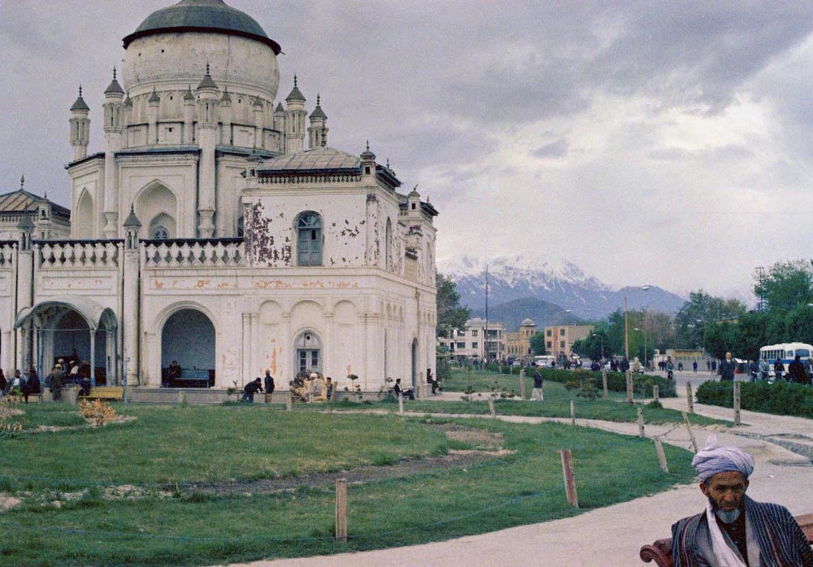 Arquitectura en Kabul, Afganistán, vista el 28 de mayo de 1968.