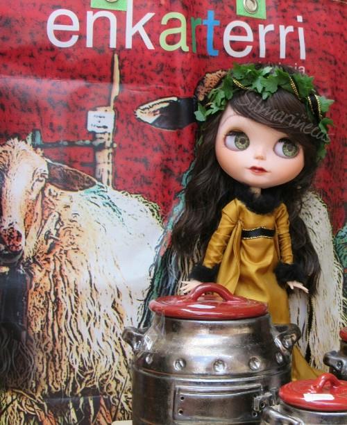 Caty blythe en el mercado medieval de Balmaseda