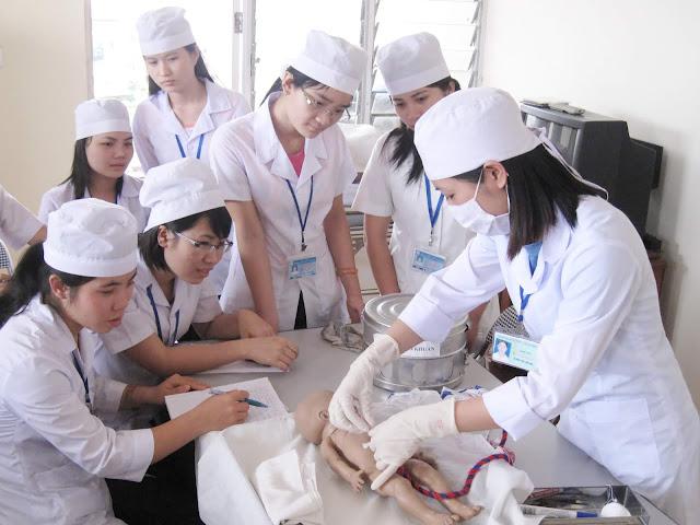 Tuyển sinh Trung cấp Điều dưỡng Hà Nội năm 2019