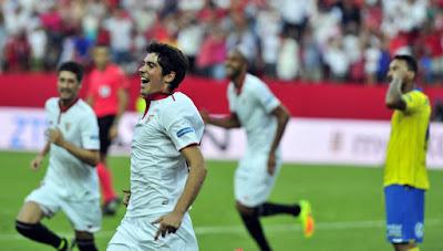 Carlos Fernández renueva con el Sevilla FC hasta 2021