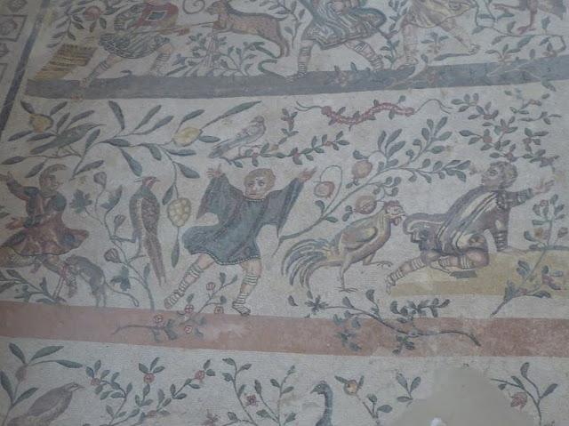 mosaico con bambini alla villa romana del casale