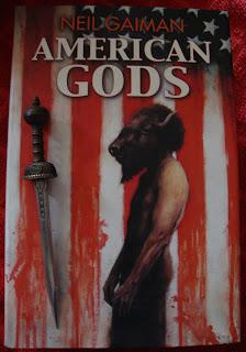 Portada del libro American Gods, de Neil Gaiman