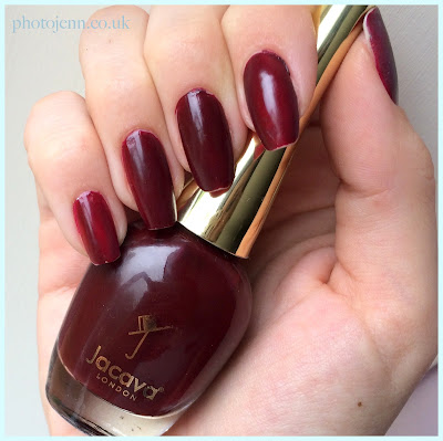 jacava-london-woodlanders-aw15-montrose-place-swatch-on-nails