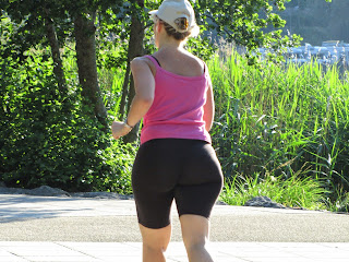 amateur-mature-big-ass-lycra-running