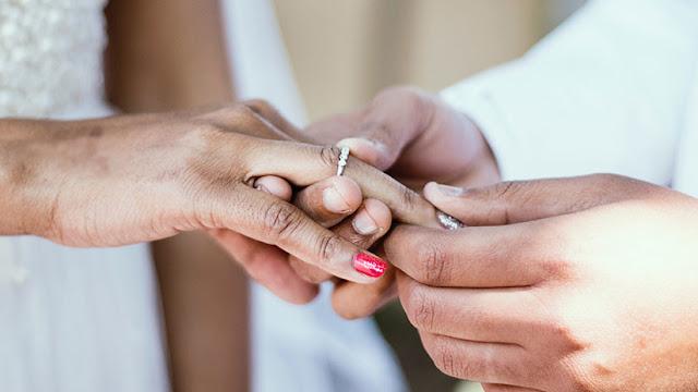 Un recién casado pide el divorcio tras ver la cara de su esposa