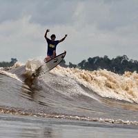 Surga Tersembunyi Bagi Perselancar ( Ombak Bono ) Yang Terdapat di Sungai Kampar Provinsi Riau