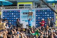 15 Gabriel Medina BRA and Julian Wilson AUS Rip Curl Pro Portugal foto WSL Laurent Masurel