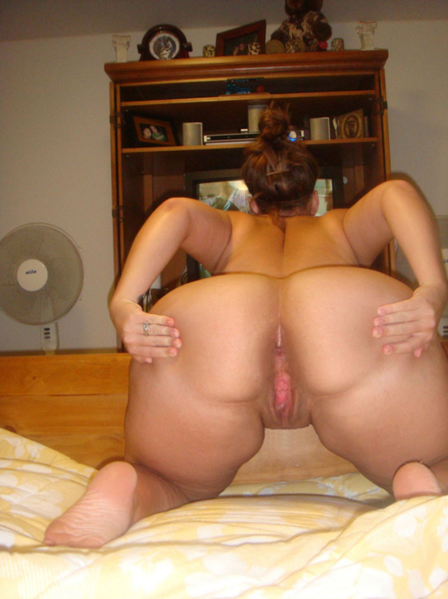 Fat Ass White Girl Rides Cock