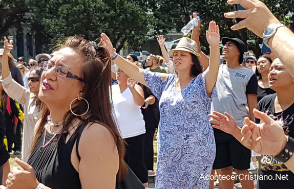 Oración frente a Parlamento de Nueva Zelanda