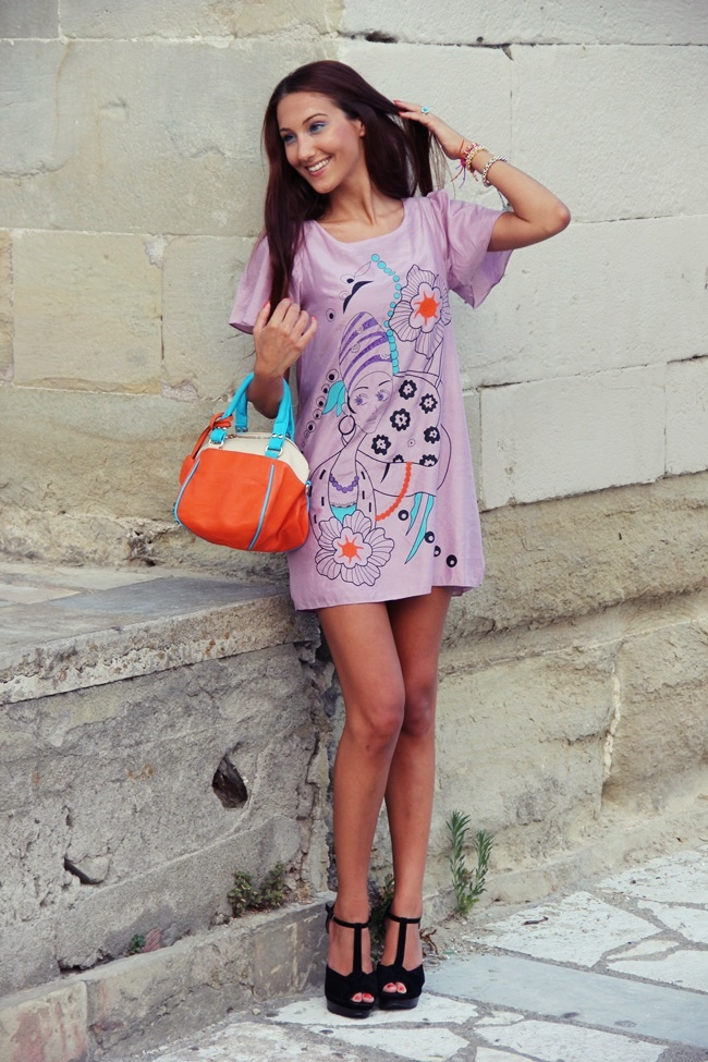 sweet printed pastel lilac mini dress with short sleeves