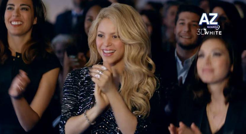 Shakira nello spot di Oral-B 3D White: info e foto dello spot - Novembre 2016