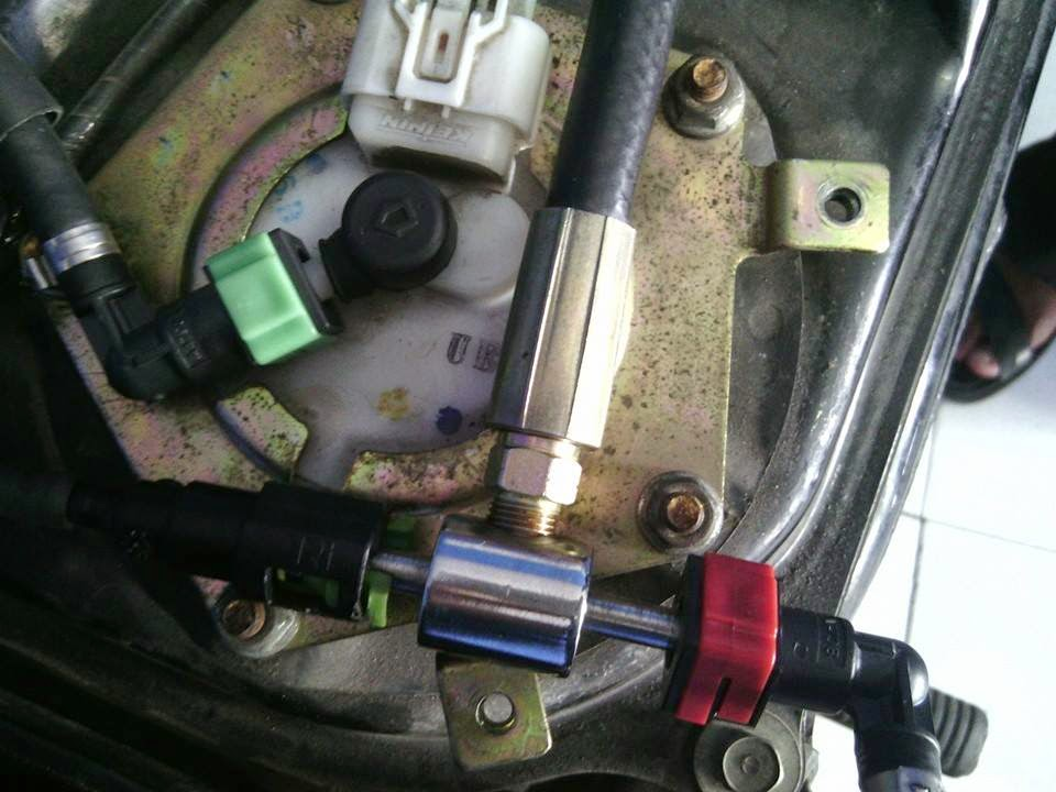 pengukur tekanan bahan bakar