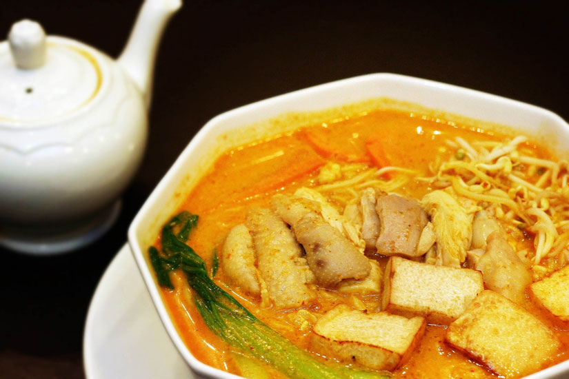 Hainanese Chicken Curry Noodles